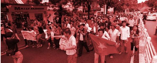 Bài viết của thành viên Karel Phùng (Facebook) đang được nhiều cư dân mạng chia sẻ.