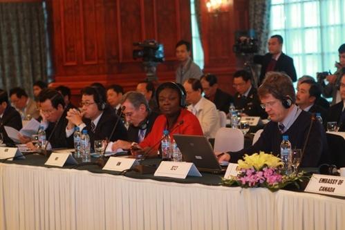 Đại diện các cơ quan, tổ chức quốc tế tham dự buổi Đối thoại.