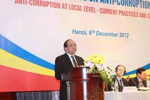 Phó Thủ tướng Nguyễn Xuân Phúc tới dự và phát biểu tại buổi Đối thoại 11.