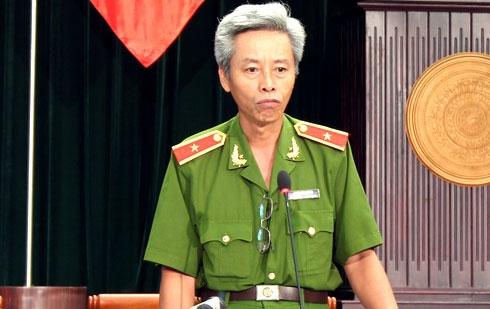 Ông Phan Anh Minh, Phó giám đốc Công an TP HCM giải đáp những chất vấn của các đại biểu HĐND TP HCM chiều 6/12